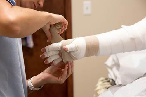 درمان-بیماری-لنف-ادم-(ورم-دست-و-پا)-با-فیزیوتراپی-3 - Copy